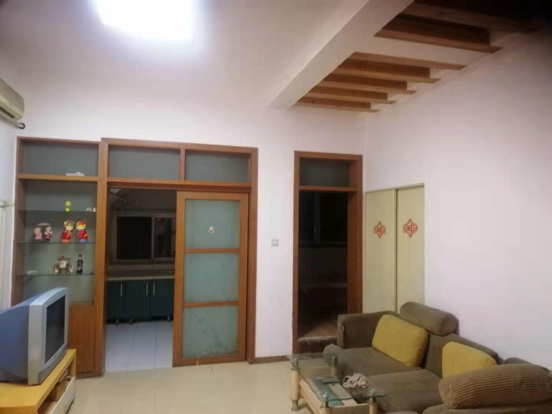 明珠花园 三间卧室 客厅餐厅齐备 家电齐全 精装修 改造合理