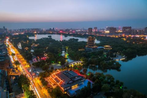 济南市天桥区远洋湖印都会配套图大名湖夜景航拍1