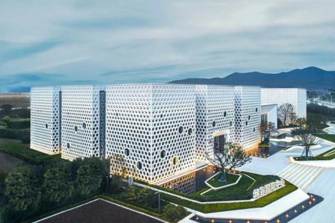 济南市高新区烯谷国际中心实景图3