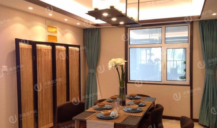 135平样板间餐厅