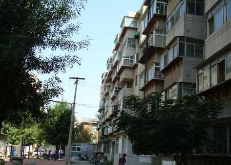 整租·回民小区2室1厅,双阳台,含床家具、暖气热水器、冷暖空调