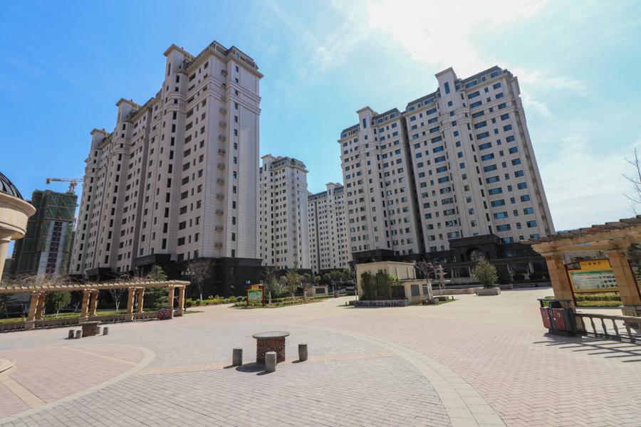 三庆城市主人,南北,4室2厅,350万,毛坯,无电梯