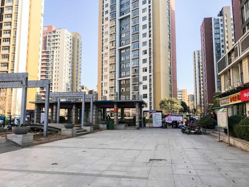 鑫苑国际城市花园 精装两居室 万达对面 中间楼层
