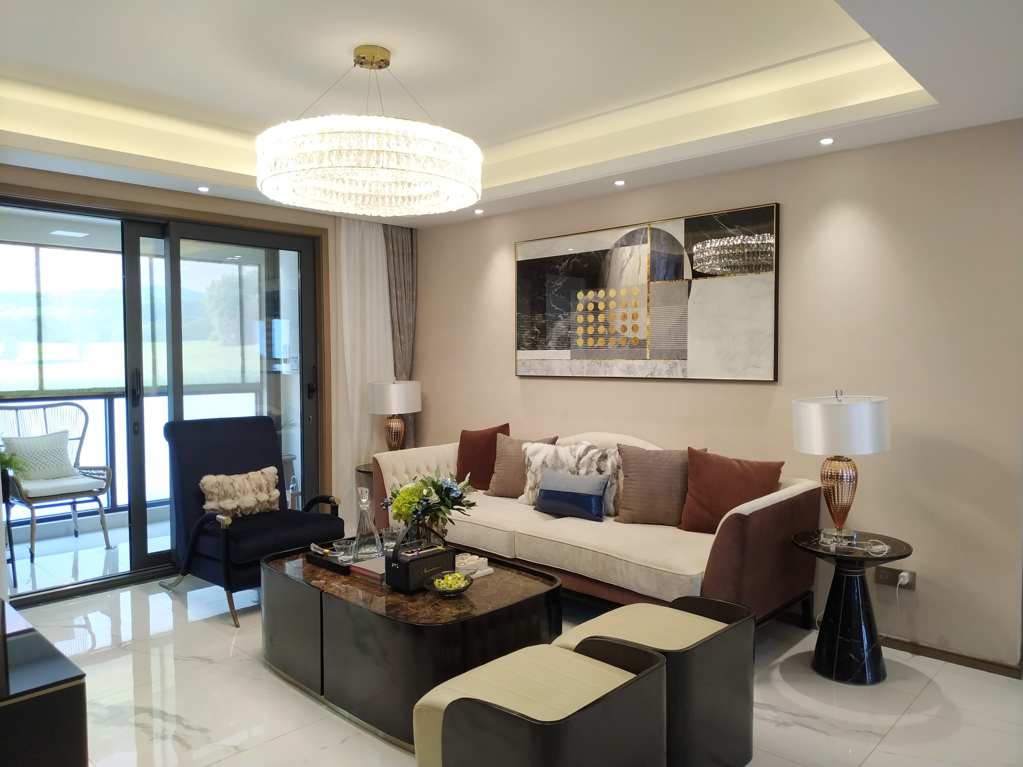 济南中央商务区核心区域位置碧桂园CLD凤凰首府改善住宅